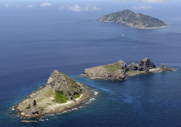 Nhật trang bị tàu vận tải gần Senkaku/Điếu Ngư để đối phó Trung Quốc - Ảnh 1.