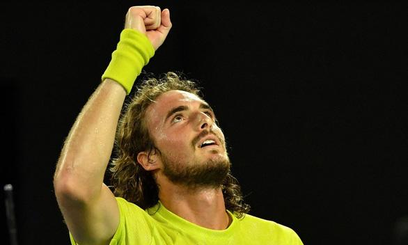Thua ngược Tsitsipas, Nadal bị loại khỏi Giải Úc mở rộng - Ảnh 2.
