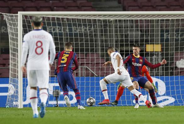 Mbappe lập hat-trick, PSG nhấn chìm Barca tại Nou Camp - Ảnh 2.