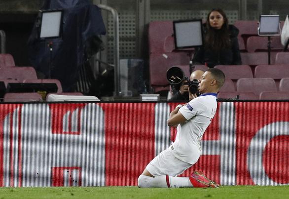 Mbappe lập hat-trick, PSG nhấn chìm Barca tại Nou Camp - Ảnh 3.