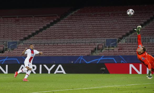 Mbappe lập hat-trick, PSG nhấn chìm Barca tại Nou Camp - Ảnh 6.