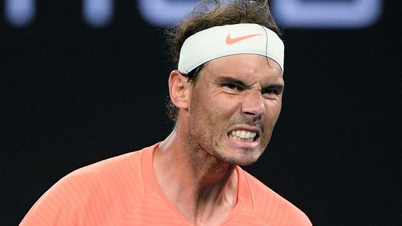Thua ngược Tsitsipas, Nadal bị loại khỏi Giải Úc mở rộng - Ảnh 1.