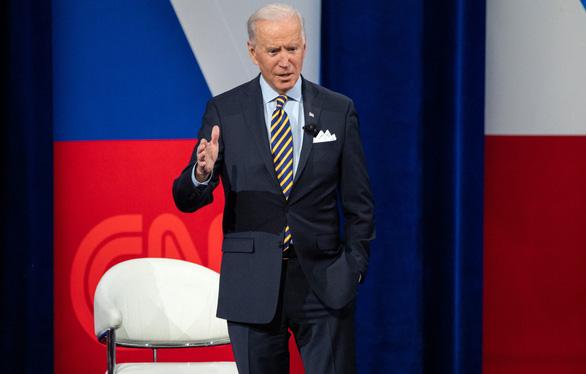 Tổng thống Biden tuyên bố có đủ vắc xin cho người Mỹ cuối tháng 7-2021 - Ảnh 1.