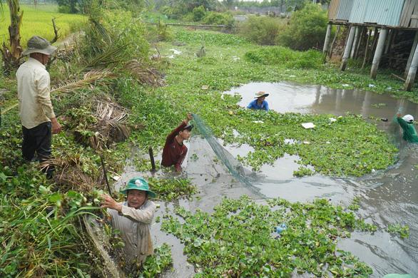 Độ mặn giảm nhưng xâm nhập sâu, nhiều tỉnh miền Tây khuyến cáo trữ nước ngọt - Ảnh 2.