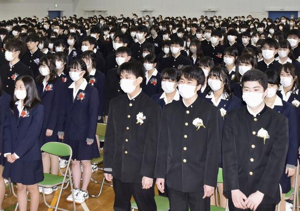 Số học sinh Nhật Bản tự tử tăng đột biến trong dịch COVID-19 - Ảnh 1.
