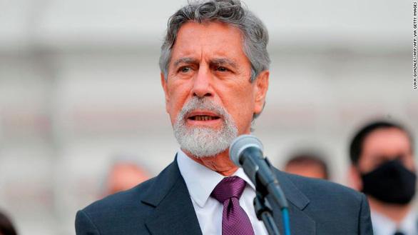 Tổng thống Peru lên truyền hình tố 487 quan chức bon chen tiêm sớm vắc xin Covid-19 - Ảnh 1.
