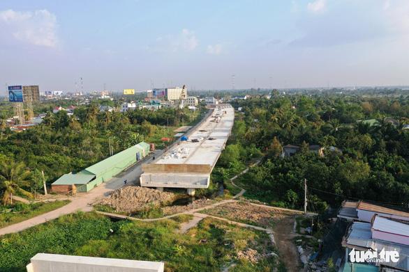 Đồng loạt ra quân đầu xuân xây dựng cầu Mỹ Thuận 2 - Ảnh 6.
