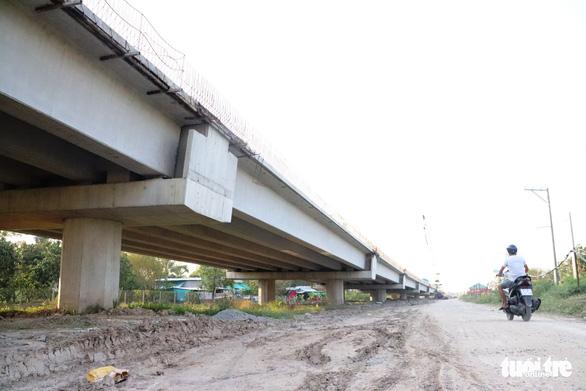 Đồng loạt ra quân đầu xuân xây dựng cầu Mỹ Thuận 2 - Ảnh 7.