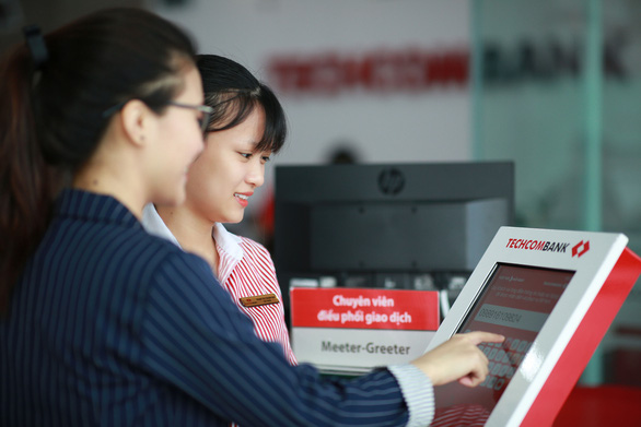 Techcombank được chọn là Ngân hàng bán lẻ được tin dùng nhất tại Việt Nam - Ảnh 2.