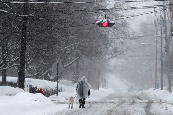 Bão tuyết lan tràn, trùm khắp bờ đông Mỹ - Ảnh 1.