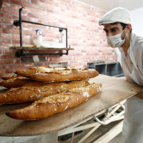 Người Pháp muốn bánh mì baguette là di sản văn hóa được UNESCO công nhận - Ảnh 1.