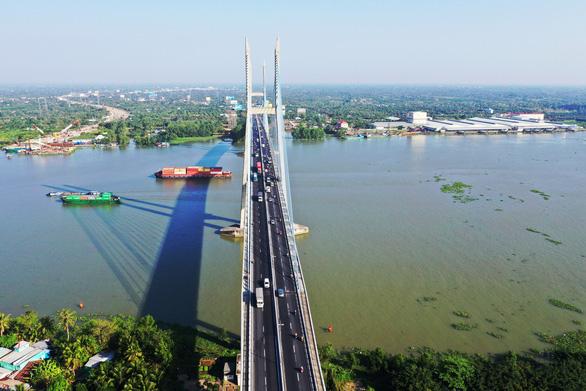 Đồng loạt ra quân đầu xuân xây dựng cầu Mỹ Thuận 2 - Ảnh 10.