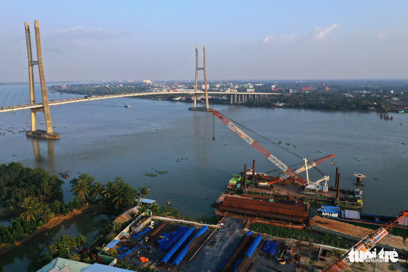 Đồng loạt ra quân đầu xuân xây dựng cầu Mỹ Thuận 2 - Ảnh 8.