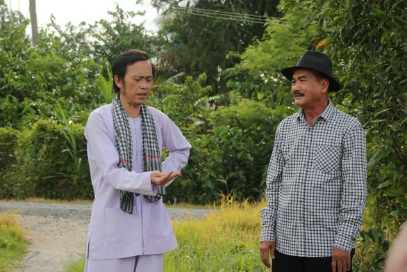 Sau gần 1 năm ở ẩn, Hoài Linh quá duyên với Sáu Bảnh trong Sui gia khắc khẩu - Ảnh 6.