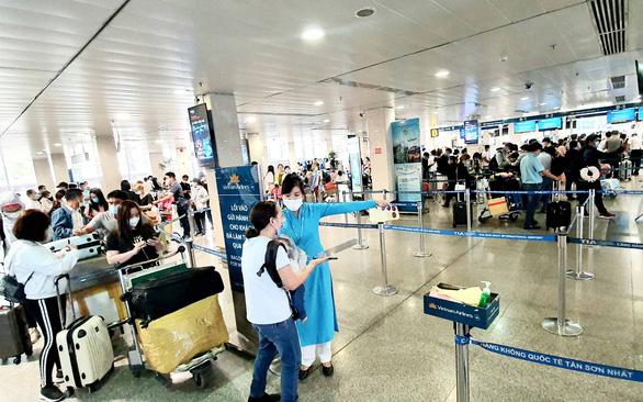 Nhiều chặng bay ế ẩm, hãng bay giảm mạnh giá vé ngay giữa cao điểm tết - Ảnh 1.