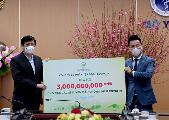 Ecopark ủng hộ 13 tỉ đồng cho phòng chống dịch COVID-19 - Ảnh 1.