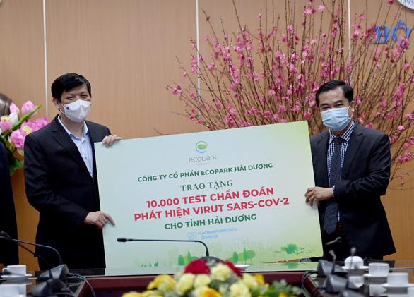 Ecopark ủng hộ 13 tỉ đồng cho phòng chống dịch COVID-19 - Ảnh 2.