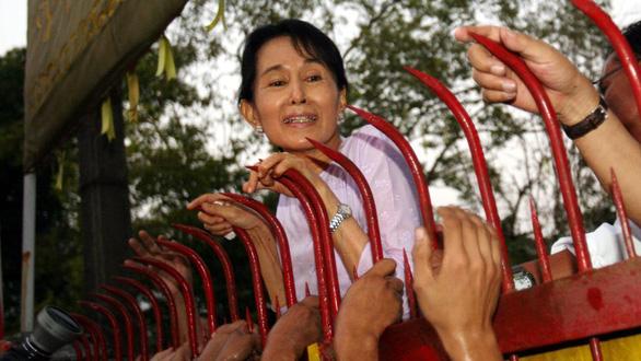 آنگ سان سو کی بعد از 1-2 بار کودتا کجاست؟  - تصویر 1