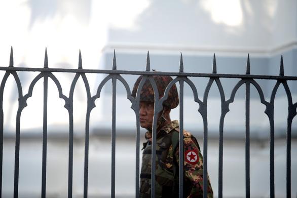 Myanmar: Trung Quốc bảo chỉ là 'cải tổ nội các lớn', do ông Trump truyền cảm hứng - Ảnh 1.