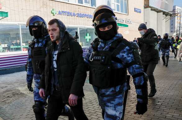 سیاستمدار مخالف ، ناوالنی در دادگاه حاضر شد ، روسیه غرب را به مداخله متهم کرد - عکس 2.