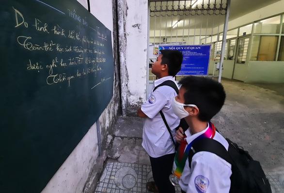 Học sinh gần 30 tỉnh, thành nghỉ học phòng dịch - Ảnh 1.
