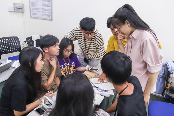 ĐH Khoa học xã hội và nhân văn TP.HCM đào tạo thạc sĩ báo chí - Ảnh 1.