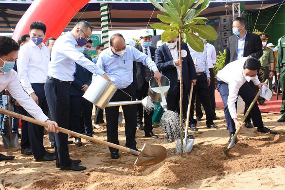 Thủ tướng gởi thông điệp 'Vì một Việt Nam xanh' - Ảnh 1.