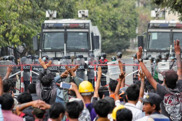 Thêm 2 người chết trong cuộc biểu tình phản đối đảo chính ở Myanmar - Ảnh 1.