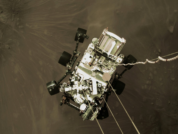 NASA công bố ảnh màu ấn tượng trên sao Hỏa do tàu Perseverance chụp - Ảnh 4.