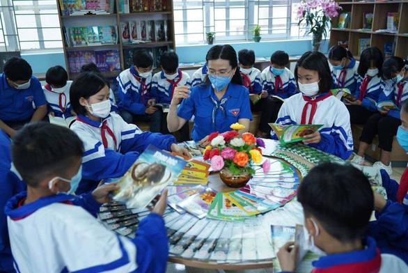 Trẻ em Tày, Nùng hào hứng với thư viện miền núi đẹp như mơ - Ảnh 1.