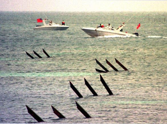 Đài Loan: Trong 2 ngày, 20 máy bay Trung Quốc quần thảo trên Biển Đông - Ảnh 1.