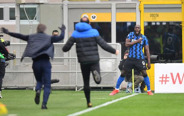 Inter thắng dễ AC Milan: 3-0 - Ảnh 1.