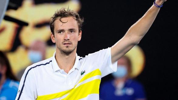 Thắng nhanh Medvedev, Djokovic lần thứ 18 vô địch Grand Slam - Ảnh 2.