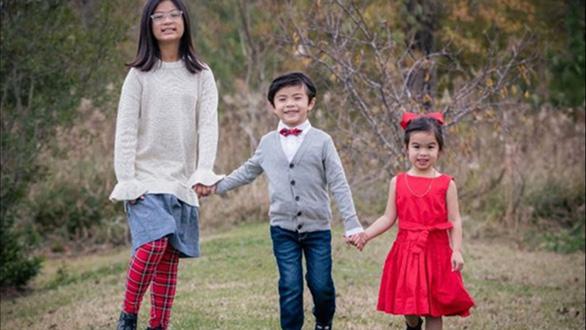 Người Mỹ gây quỹ gần 400.000 USD tưởng niệm 4 bà cháu gốc Việt ở Texas - Ảnh 1.
