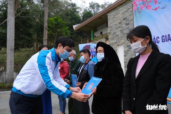Khởi công phục dựng nhà sàn anh Kim Đồng, khởi động Tháng thanh niên - Ảnh 4.