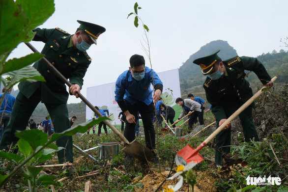 Khởi công phục dựng nhà sàn anh Kim Đồng, khởi động Tháng thanh niên - Ảnh 6.