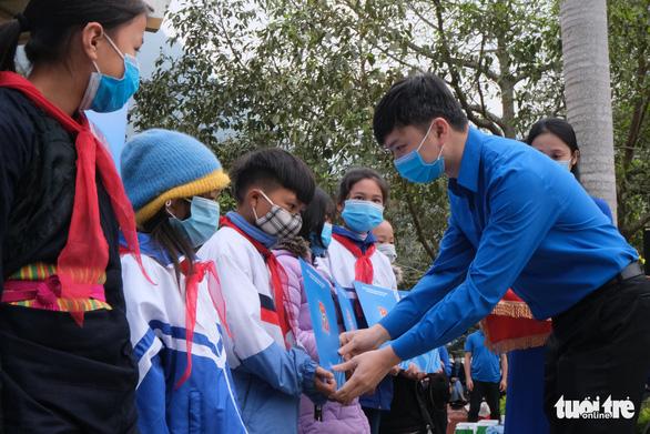 Khởi công phục dựng nhà sàn anh Kim Đồng, khởi động Tháng thanh niên - Ảnh 5.