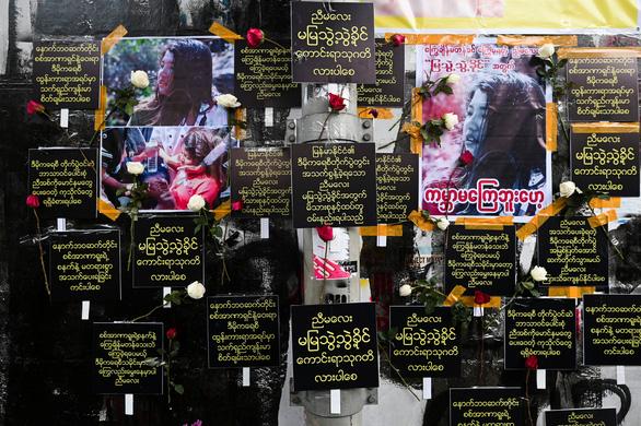 Người dân Myanmar đưa tiễn nữ anh hùng tuổi 20 - Ảnh 8.