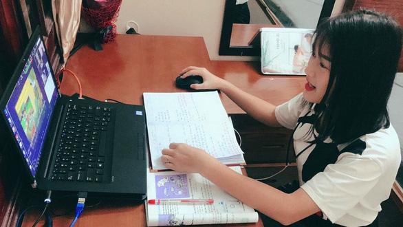 Vượt khó dạy học trực tuyến ở bậc tiểu học - Ảnh 1.