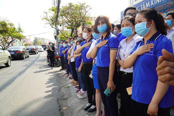 Xúc động hàng ngàn người dân tiễn đưa nguyên Phó thủ tướng Trương Vĩnh Trọng về nơi an nghỉ - Ảnh 6.