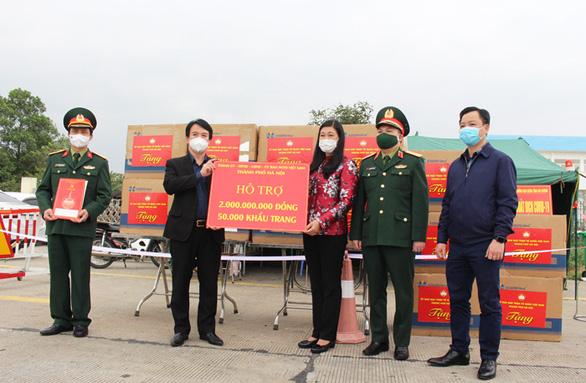 Bắc Giang ủng hộ Hải Dương 2 tỉ đồng phòng chống dịch COVID-19 - Ảnh 1.