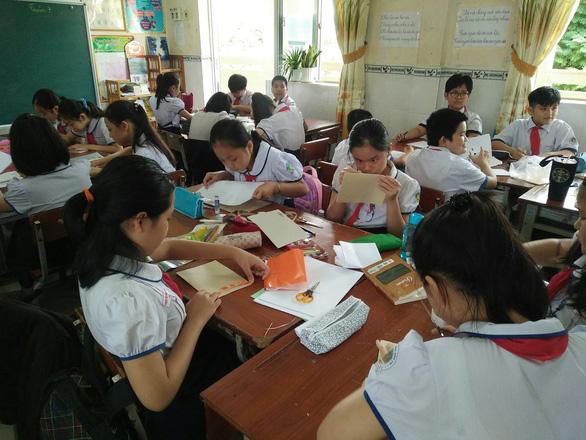 Học sinh Cần Thơ đi học lại từ ngày 1-3 - Ảnh 1.