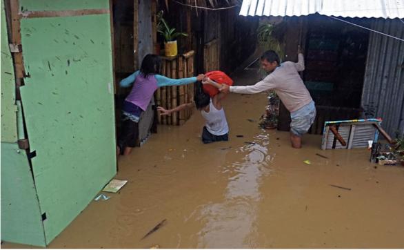 Hơn 5.000 người ở Philippines phải sơ tán để tránh cơn bão số 1 năm 2021 - Ảnh 1.