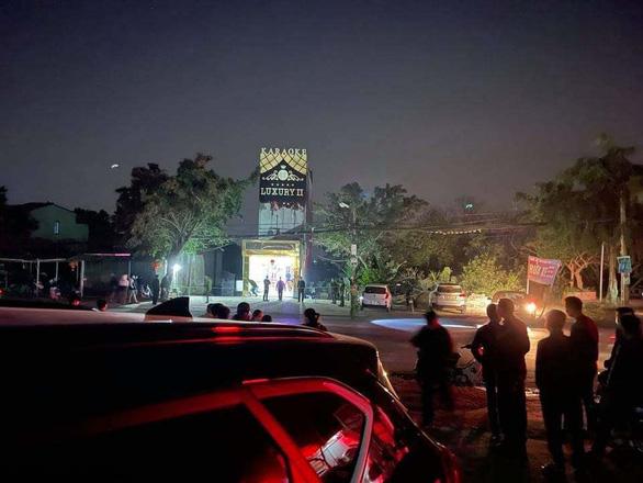 Án mạng 3 người chết, 3 người bị thương ở Hòa Bình: Xô xát từ quán karaoke - Ảnh 1.