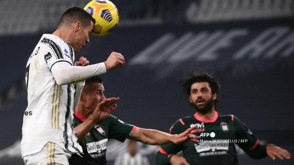 Ronaldo lập cú đúp, Juventus trở lại đường đua vô địch - Ảnh 2.