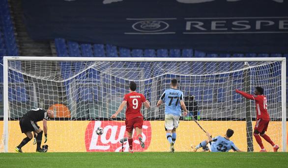 Đại thắng Lazio, Bayern Munich đặt một chân vào tứ kết Champions League - Ảnh 4.