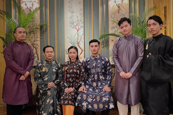 Áo ngũ thân thời Nguyễn trở về trong đời sống giới trẻ Việt - Ảnh 5.