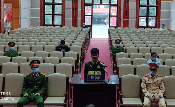 15 tháng tù vì đánh vào mặt trưởng công an xã ở chốt kiểm dịch COVID-19 - Ảnh 1.