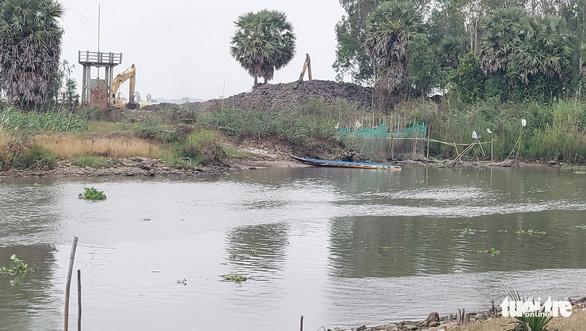An Giang chi 230 tỉ đồng nạo vét kênh Vĩnh Tế - Ảnh 2.