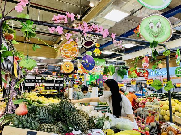 Đi siêu thị như du lịch đầu năm - Ảnh 1.